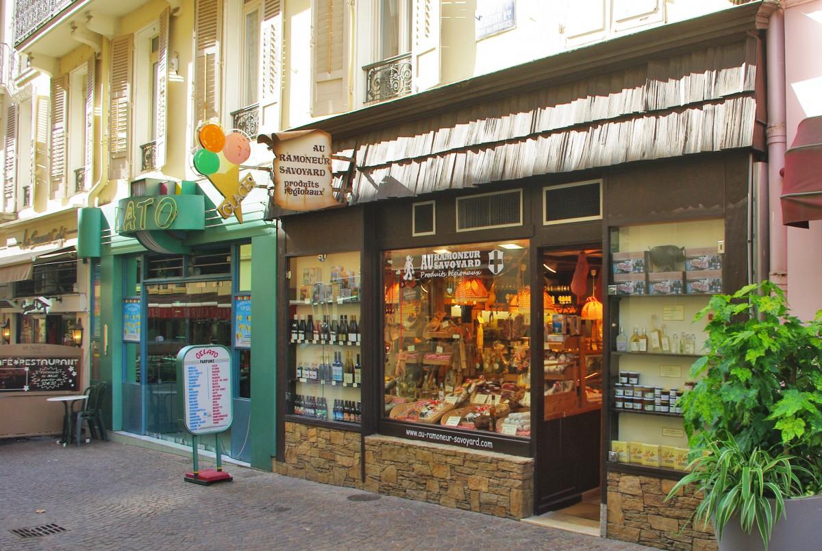 Rue Albert 1er, Aix-les-Bains © French Moments