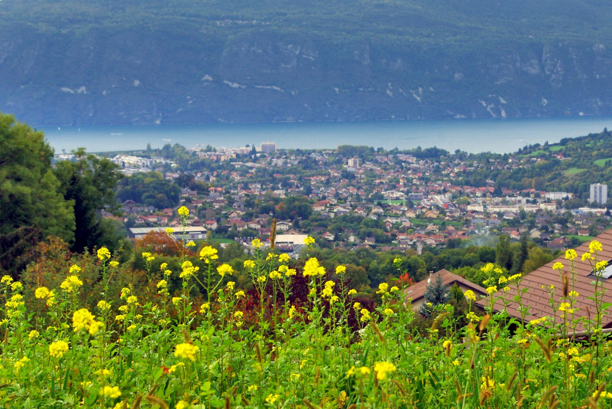 Lake Bourget and Aix-les-Bains © French Moments