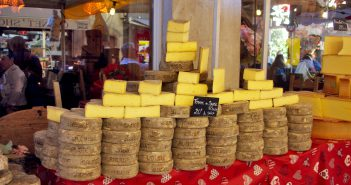 French Cheese Quiz - Return from the Alpine Pastures Festival, Annecy © French Moments