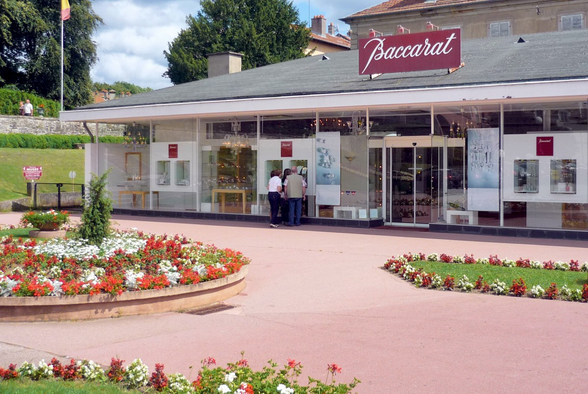 The store of the Baccarat crystal works in Baccarat © French Moments