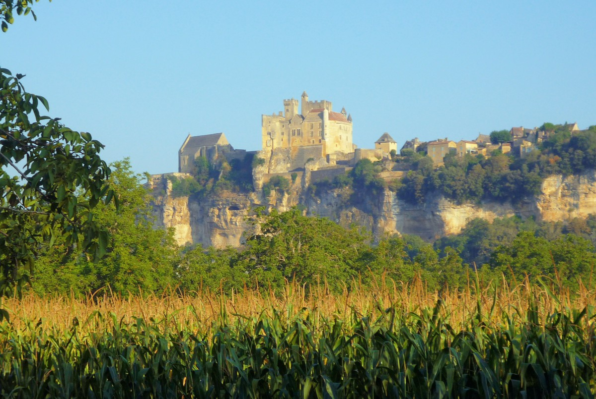 French countryside: Beynac Castle © French Moments