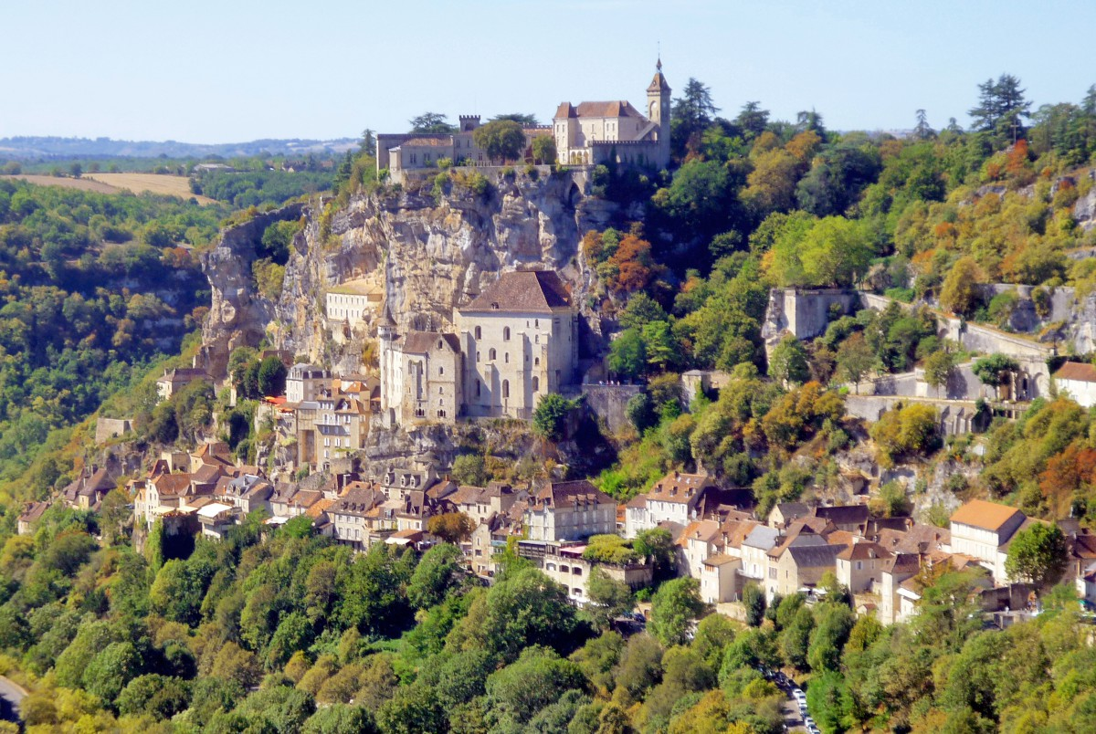General view of the medieval village and its shrine © French Moments