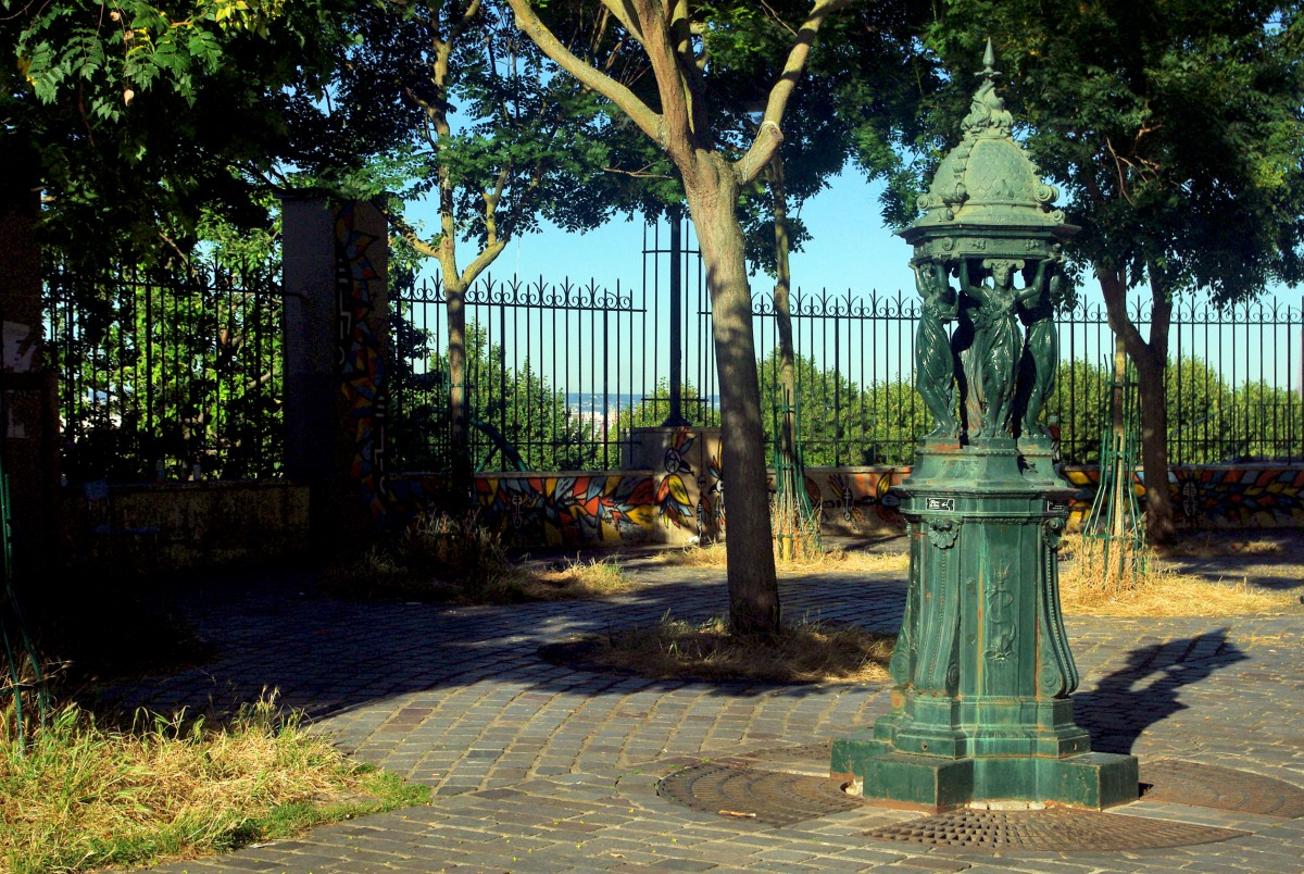 Wallace Fountain in Rue Piat (20th arrt) © French Moments