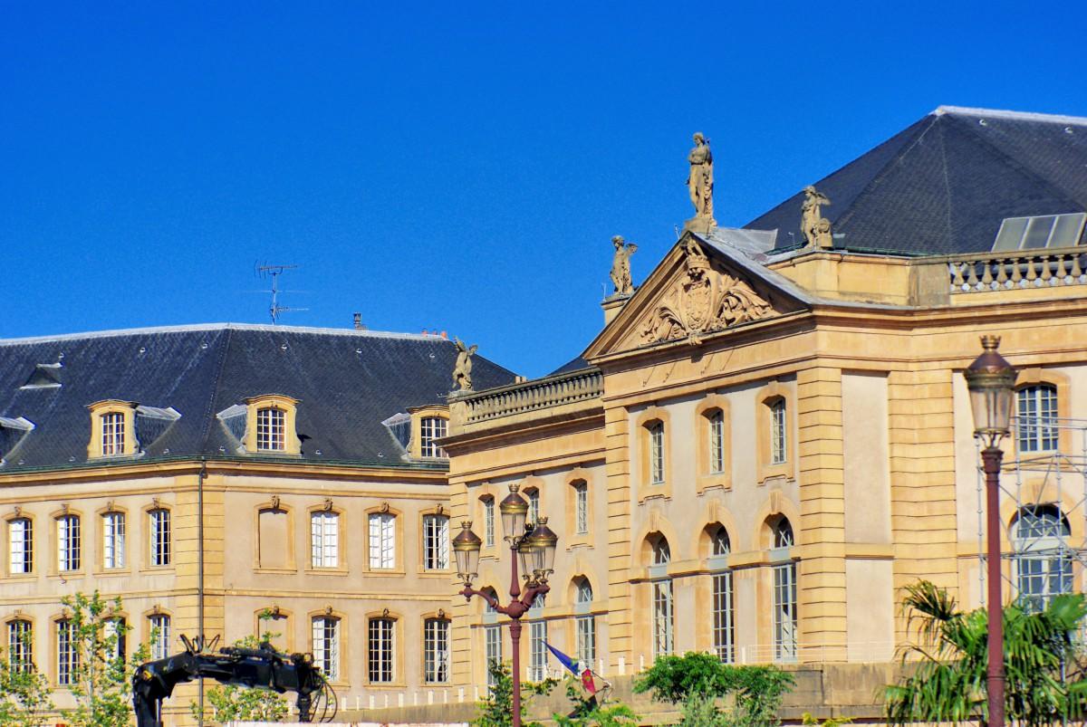 Place de la Comédie © French Moments