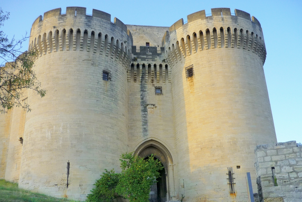 The gateway of Fort St. André, Villeneuve-lès-Avignon © French Moments