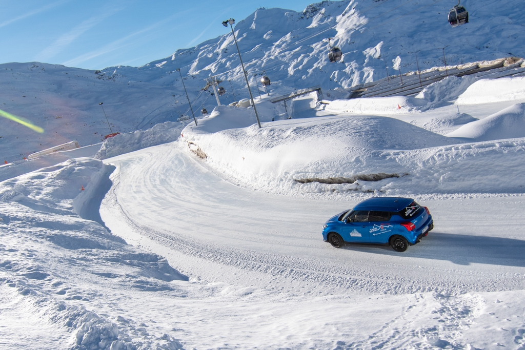 Swift circuit glace © T.Loubere OT Val Thorens