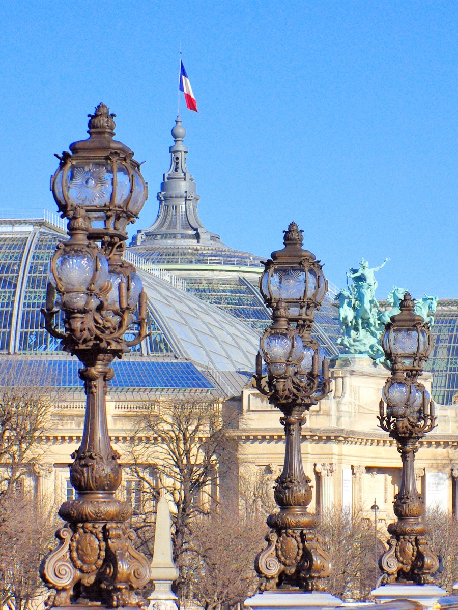 Pont Alexandre III and Grand Palais © French Moments