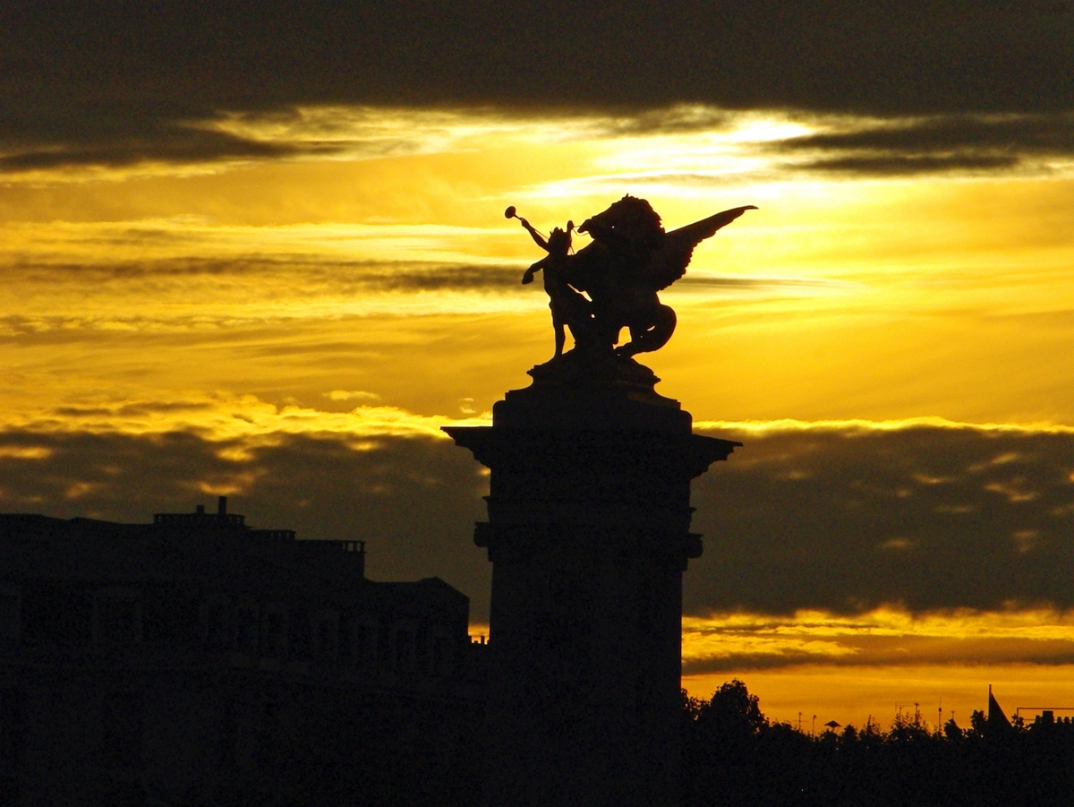 The Winged horse of Pont Alexandre III © French Moments