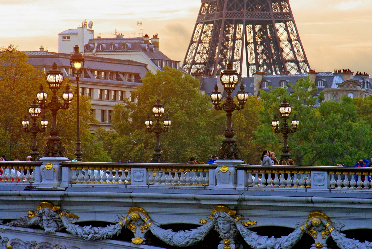Pont Alexandre III and the Eiffel Tower late afternoon © French Moments
