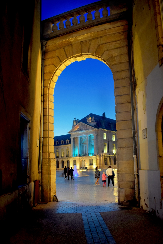 Archway opening to the Place de la Libération, Dijon © French Moments