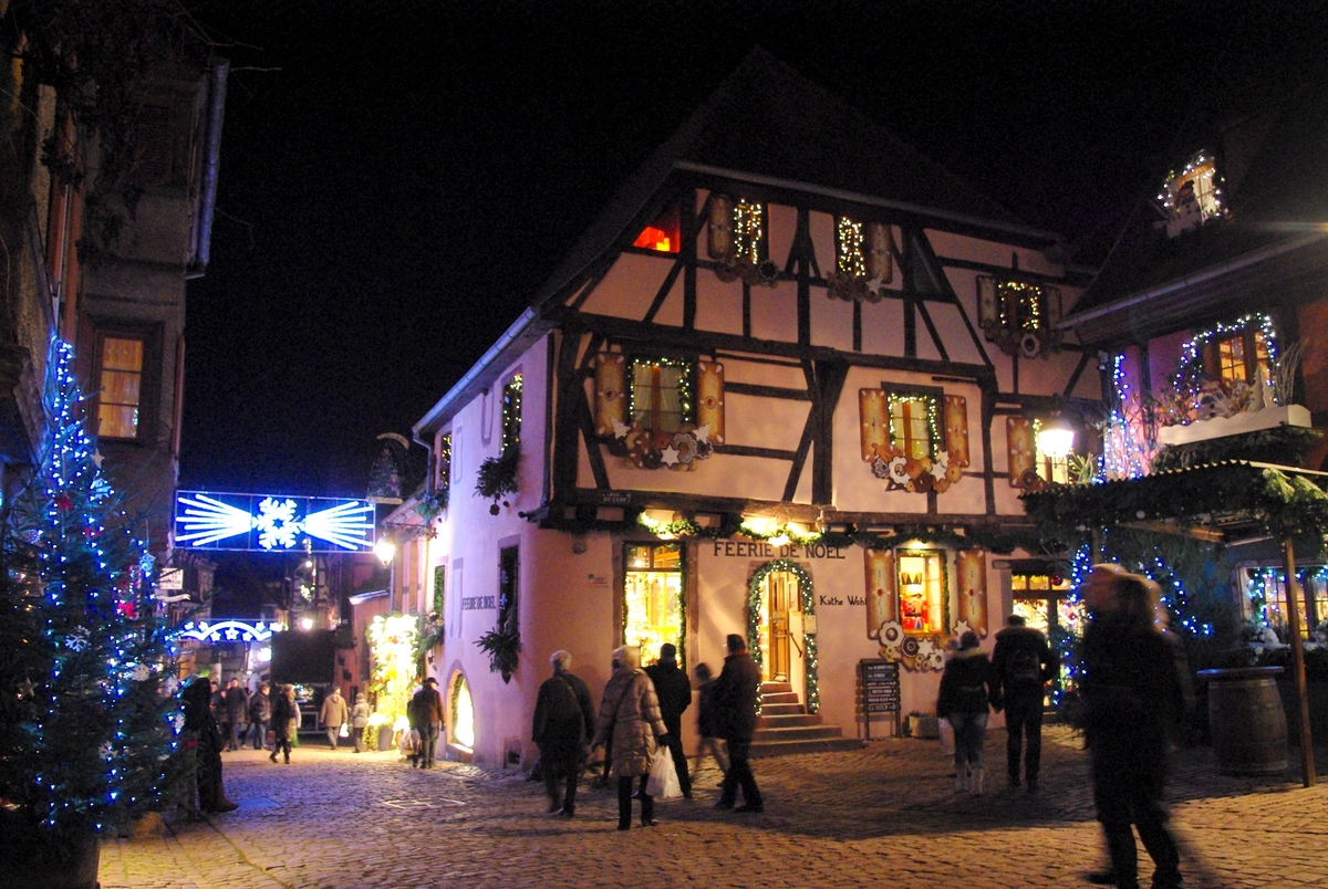 Christmas in Riquewihr, Alsace © French Moments