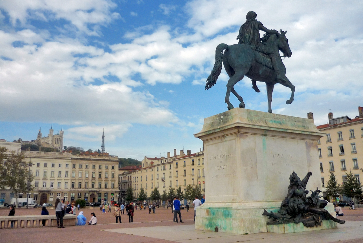 Place Bellecour, Lyon © French Moments