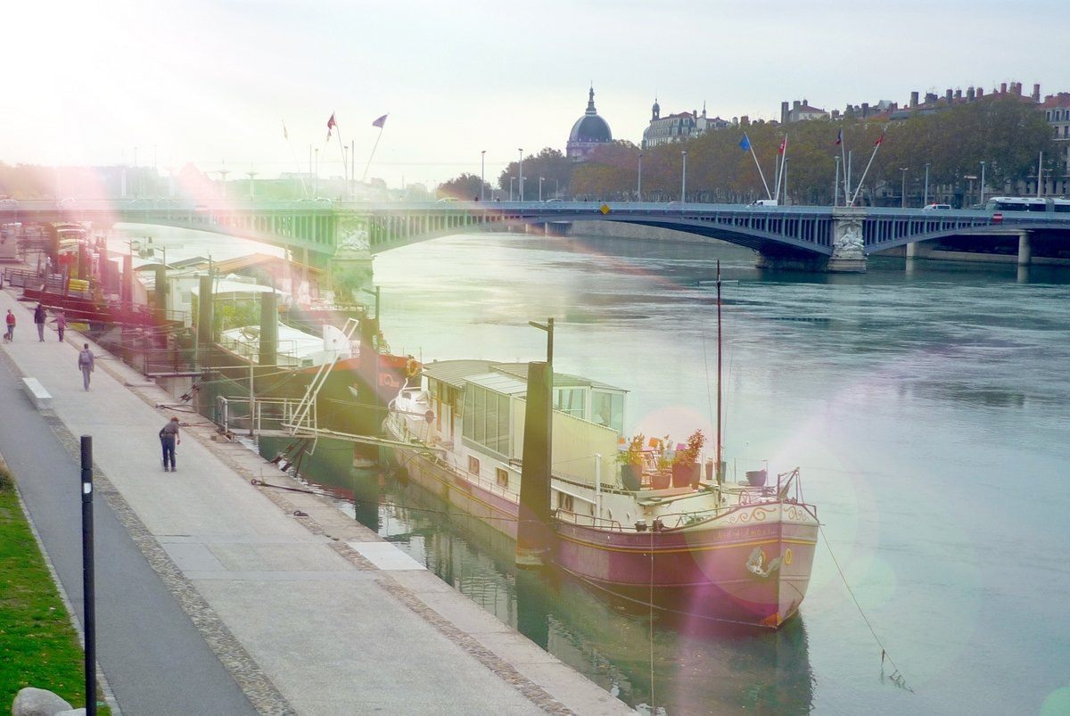 Rivers in France: the Rhône in Lyon © French Moments