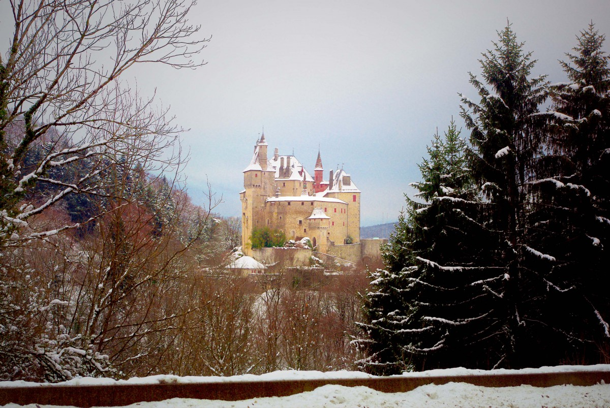 Menthon Castle in Winter © French Moments
