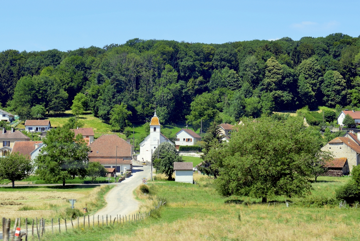 The village of Pennesières in the Haute-Saône © French Moments