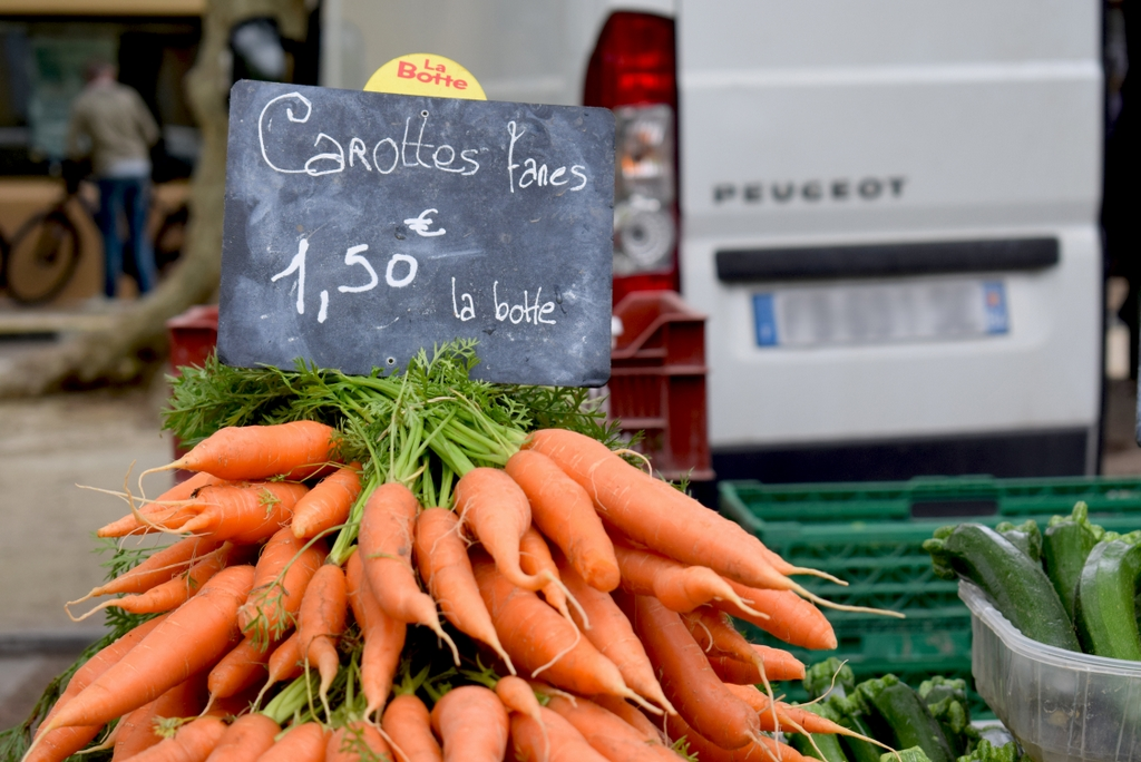 Market of Bédoin, Provence © French Moments