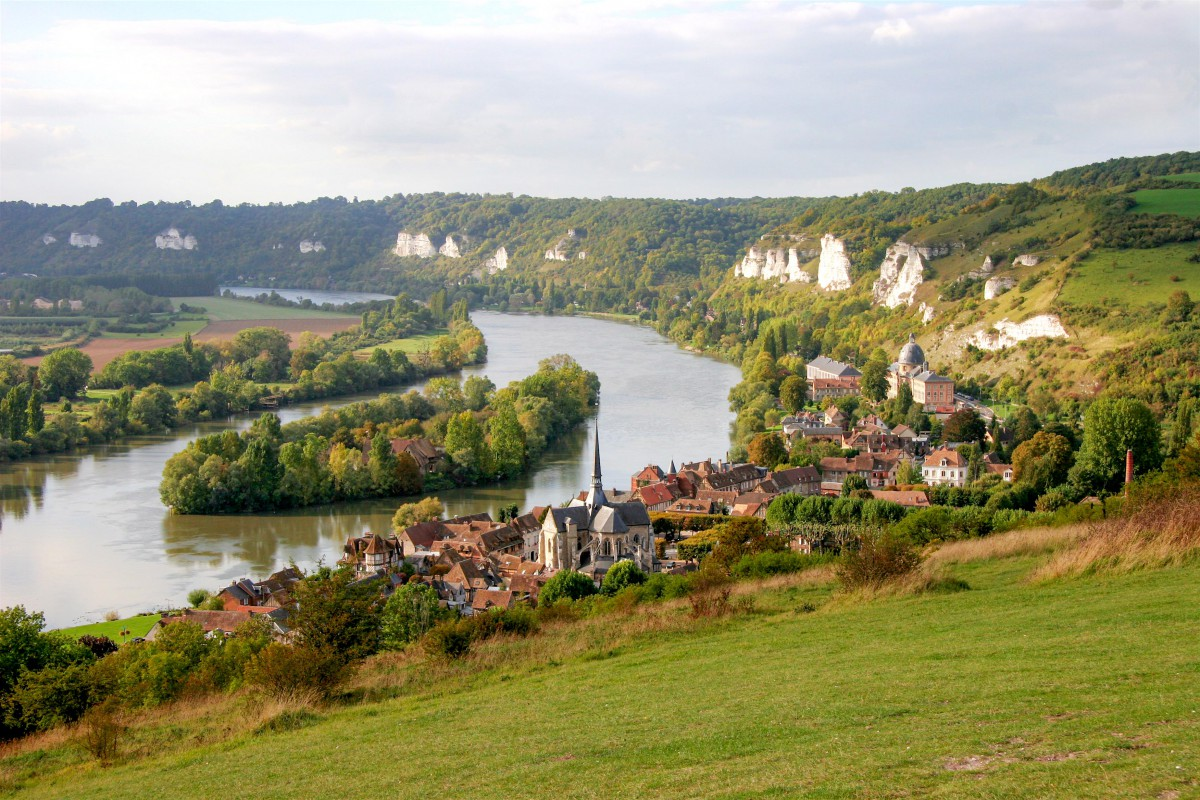Petit-Andely from Chateau-Gaillard © Tristan Nitot - licence [CC BY-SA 3.0] from Wikimedia Commons