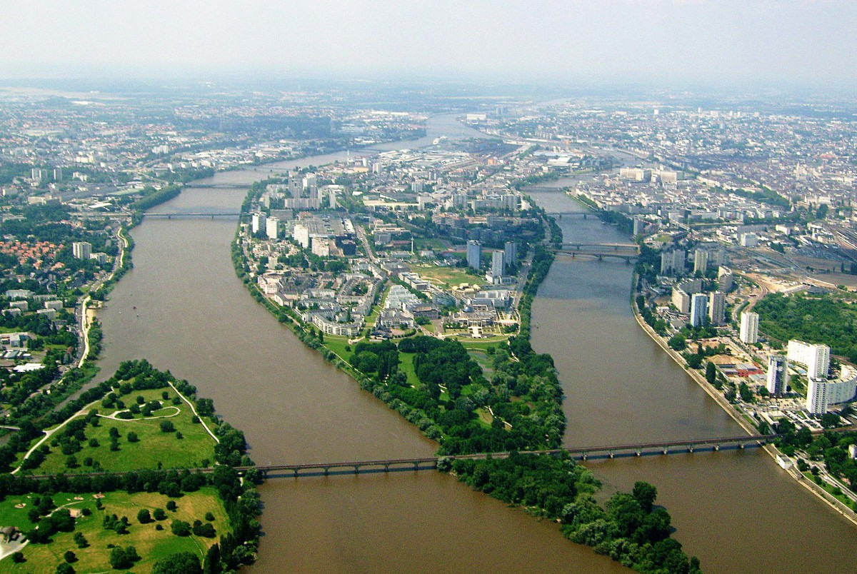 The Loire in Nantes © Jibi44 - licence [CC BY-SA 3.0] from Wikimedia Commons