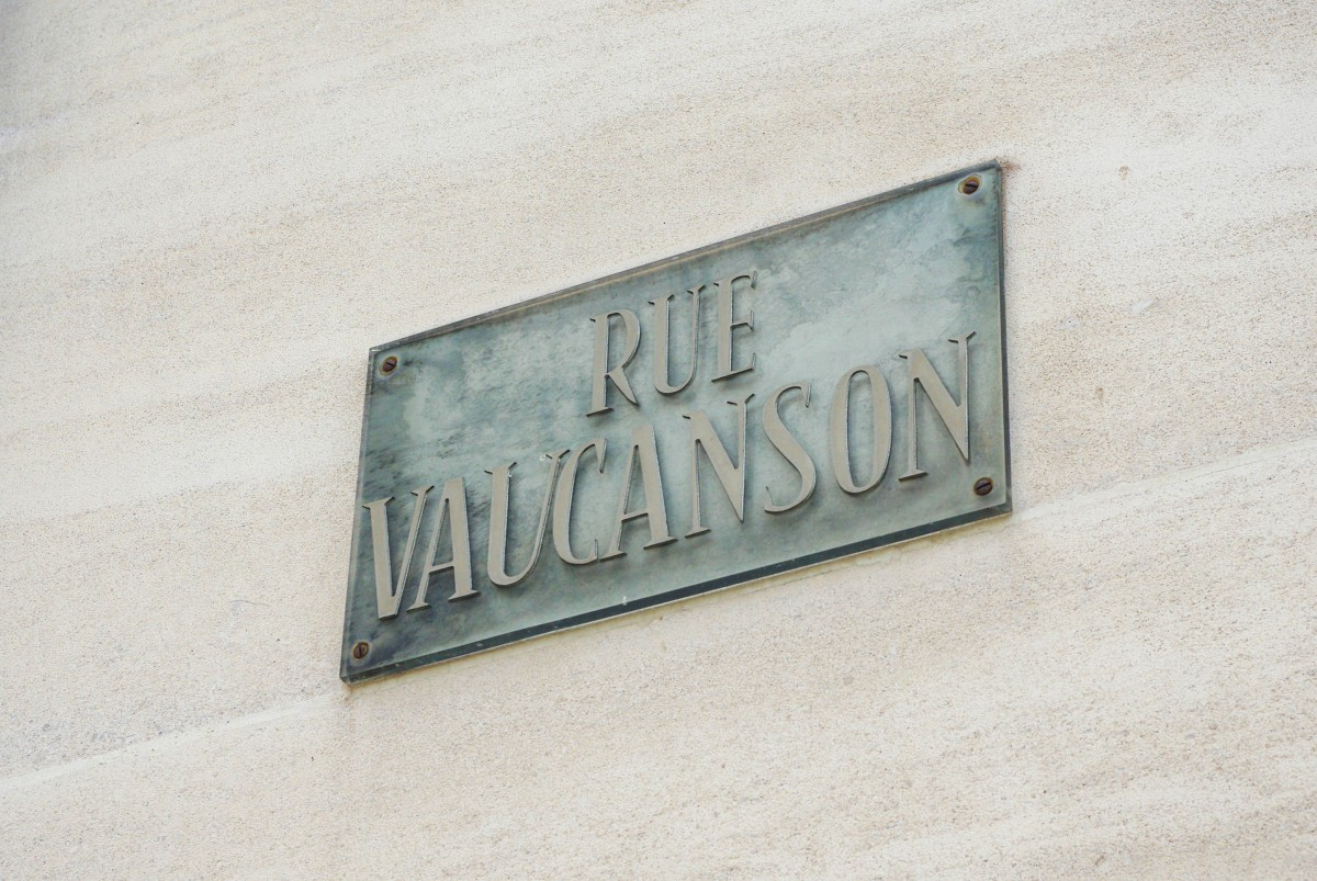 Other street plaques of Paris - Rue Vaucanson (3rd arrt.) © French Moments