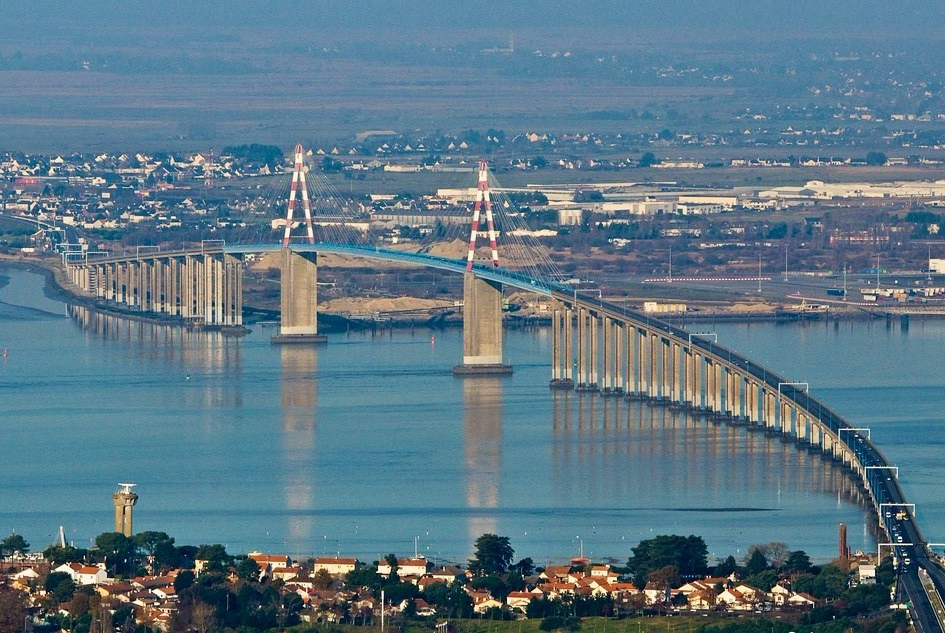 The bridge of Saint-Nazaire © Pouick44 - licence [CC BY-SA 3.0] from Wikimedia Commons
