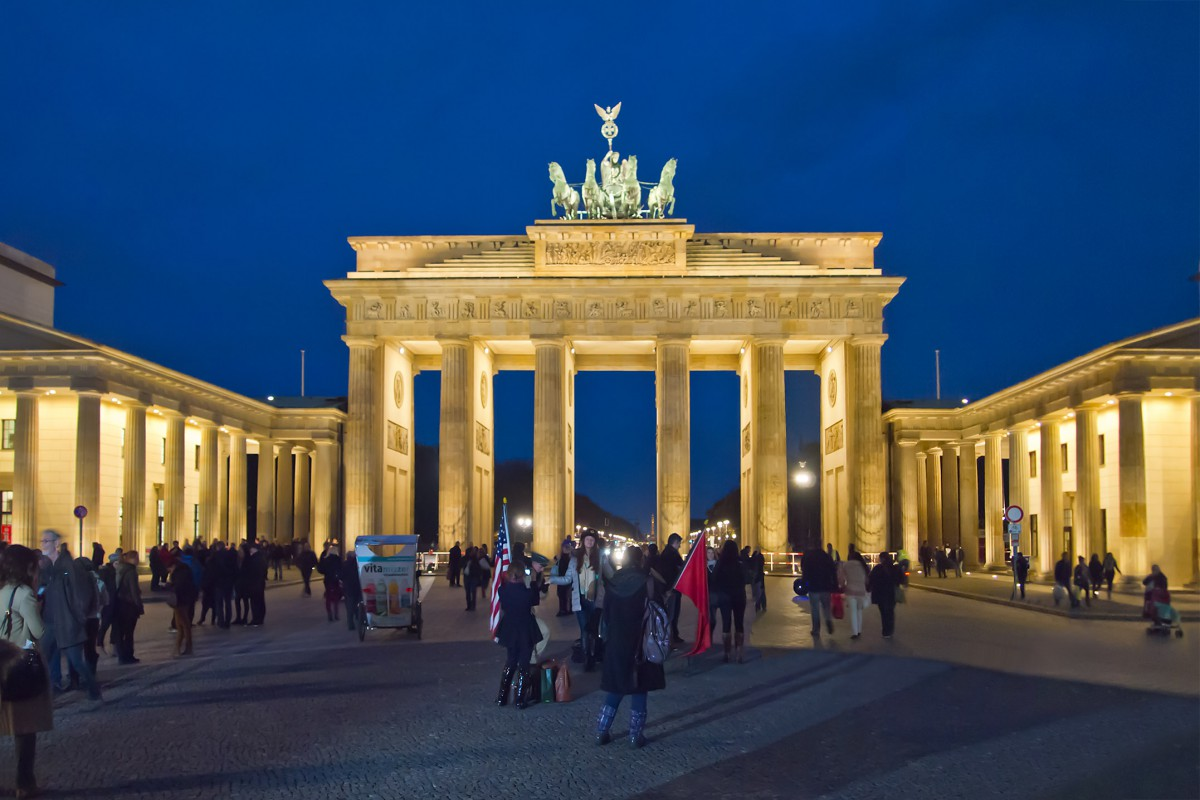 Germany in French - The Brandeburg Gate in Berlin © Pedelecs - licence [CC BY-SA 3.0] from Wikimedia Commons
