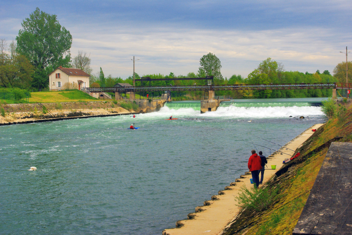 River Marne in Noisiel © French Moments