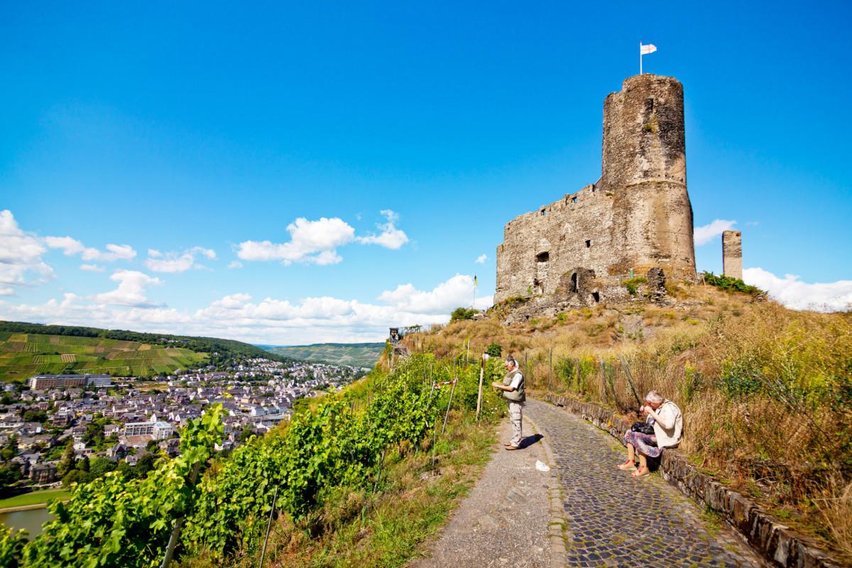 The Burg Landshut in Bernkastel-Kues © DooFi - license [CC BY-SA 3.0] from Wikimedia Commons