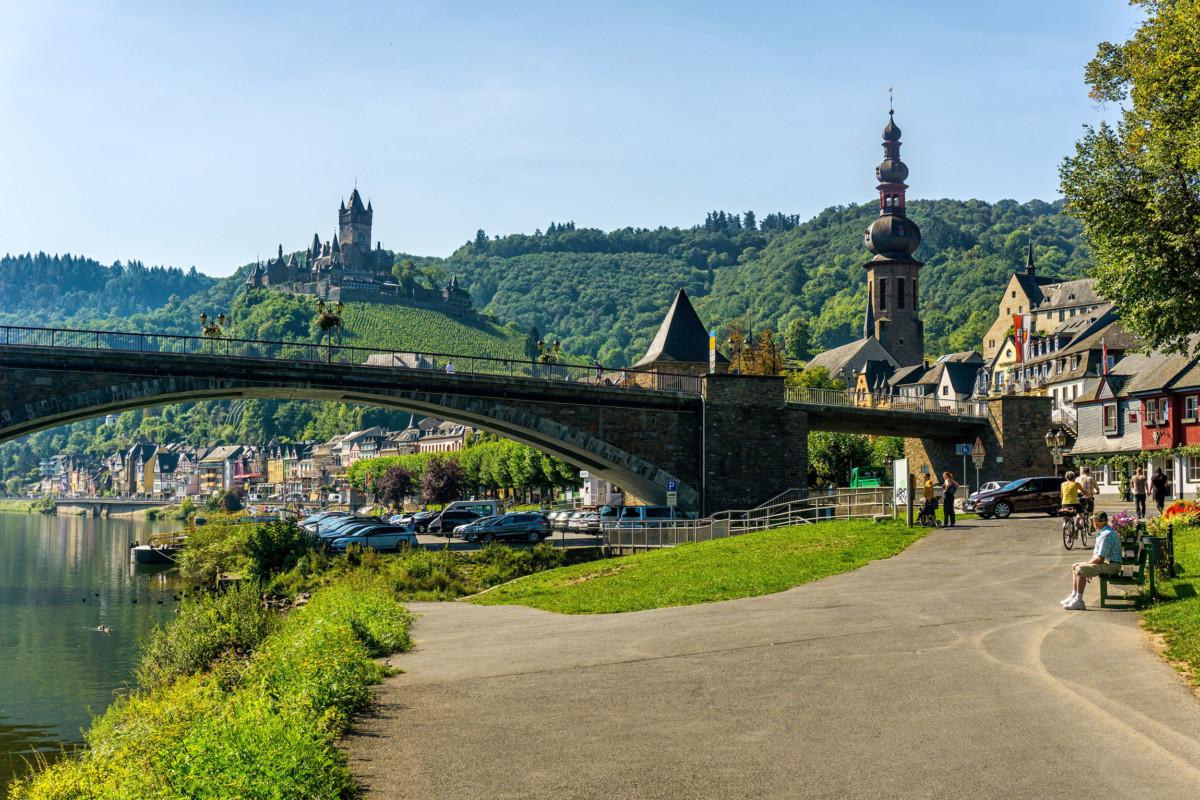 The little town of Cochem © Lightboxx via Twenty20