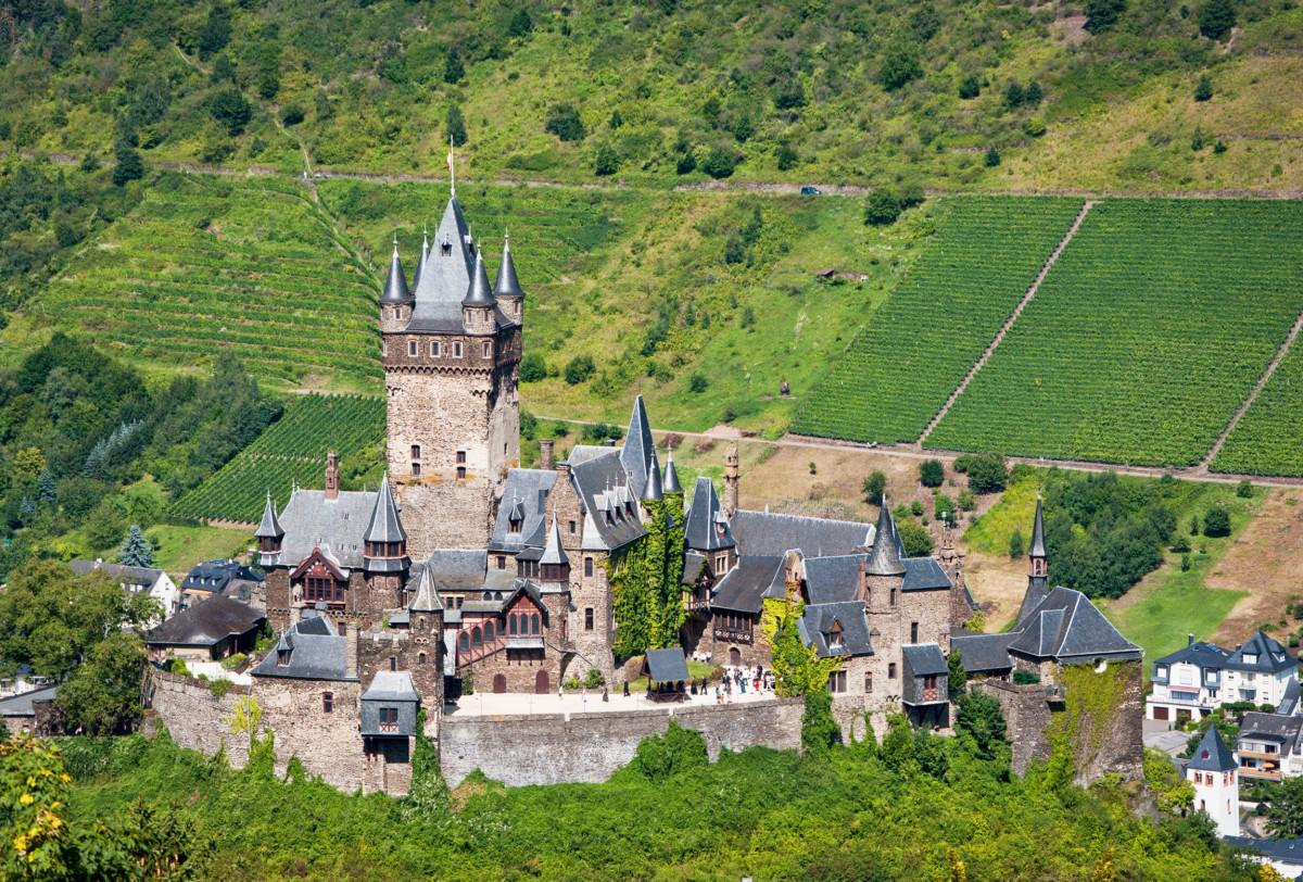 Cochem's Reichsburg © Steffen Schmitz- license [CC BY-SA 3.0 DE] from Wikimedia Commons