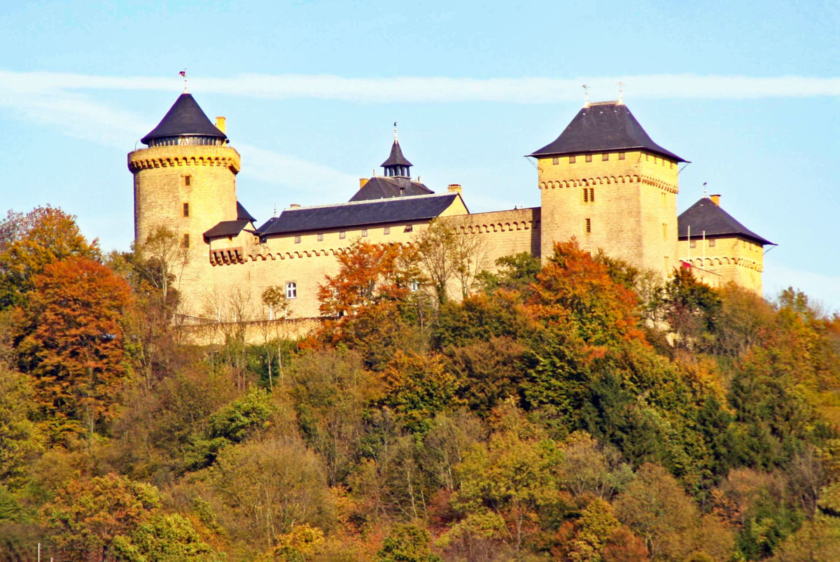 Malbrouck Castle © Cornischong - license [CC BY-SA 3.0] from Wikimedia Commons