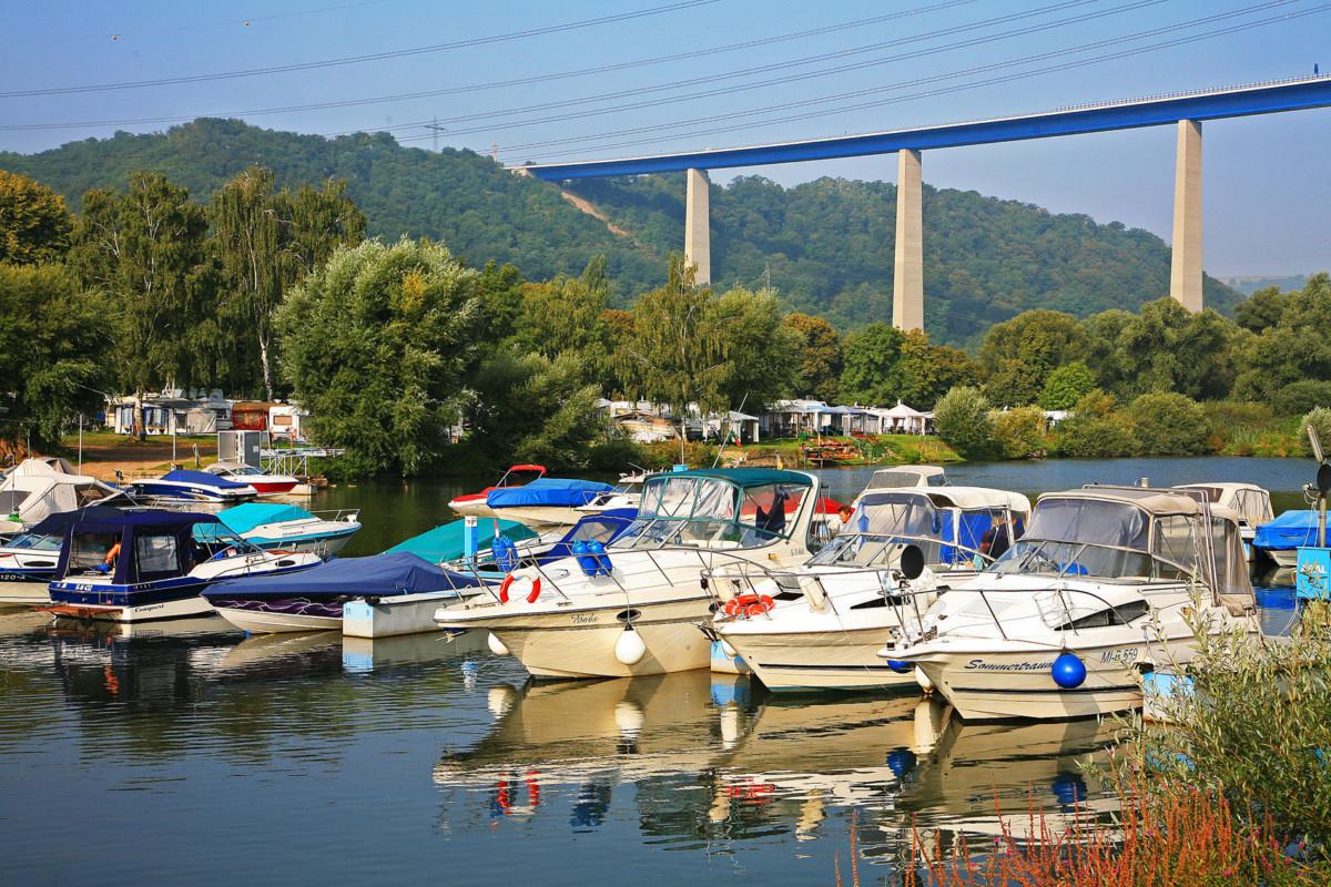 Moseltalbrücke © W. Bulach - licence CC-BY-SA-4.0 from Wikimedia Commons.jpg