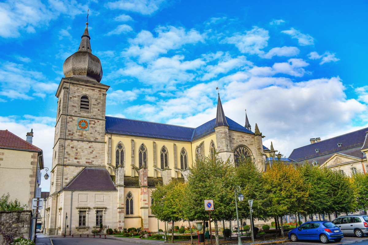 The abbey church of Remiremont and its bulbous bell tower © French Moments