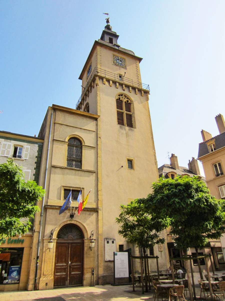 The Belfry of Thionville. Photo: Aimelaime [Public Domain]