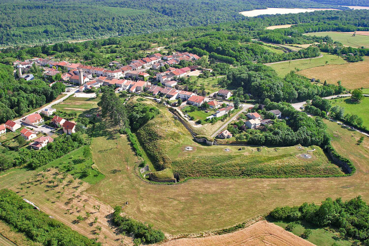 Villey-le-Sec from above - Wikimedia Commons [Public Domain]