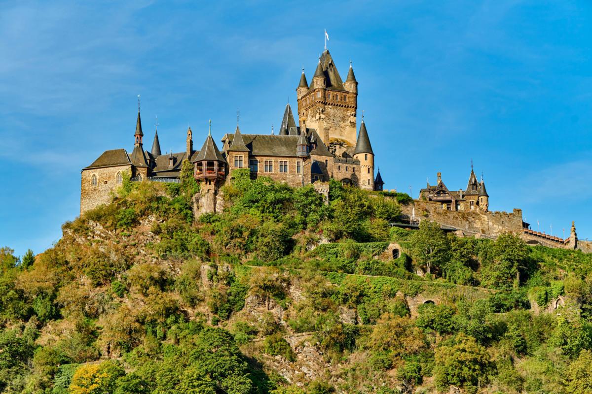 The Reichsburg in Cochem. Photo © haveseen [Envato Elements]