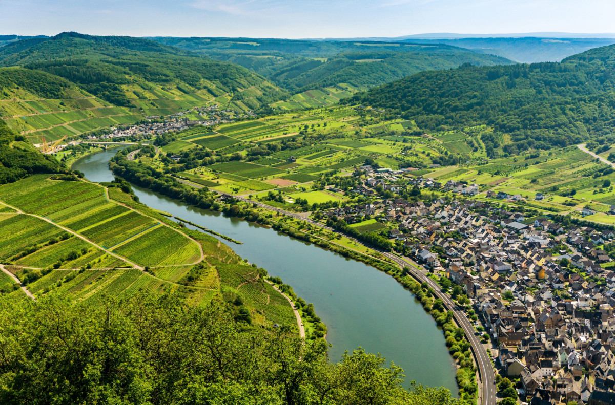 Bremm and the Moselle Valley seen from the Calmont vineyard © Lightboxx via Twenty20