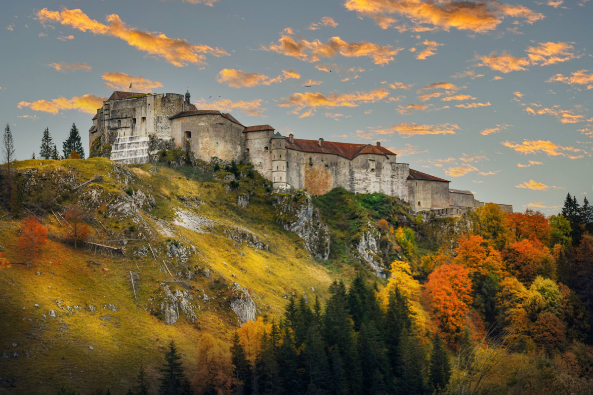 Seasons of the year in France - Chateau de Joux in the Jura © French Moments