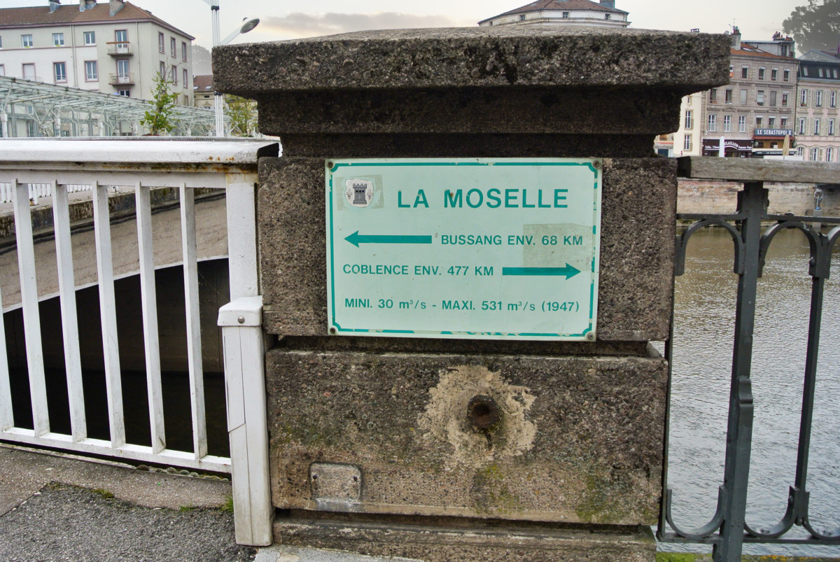 Moselle Valley in Epinal © French Moments