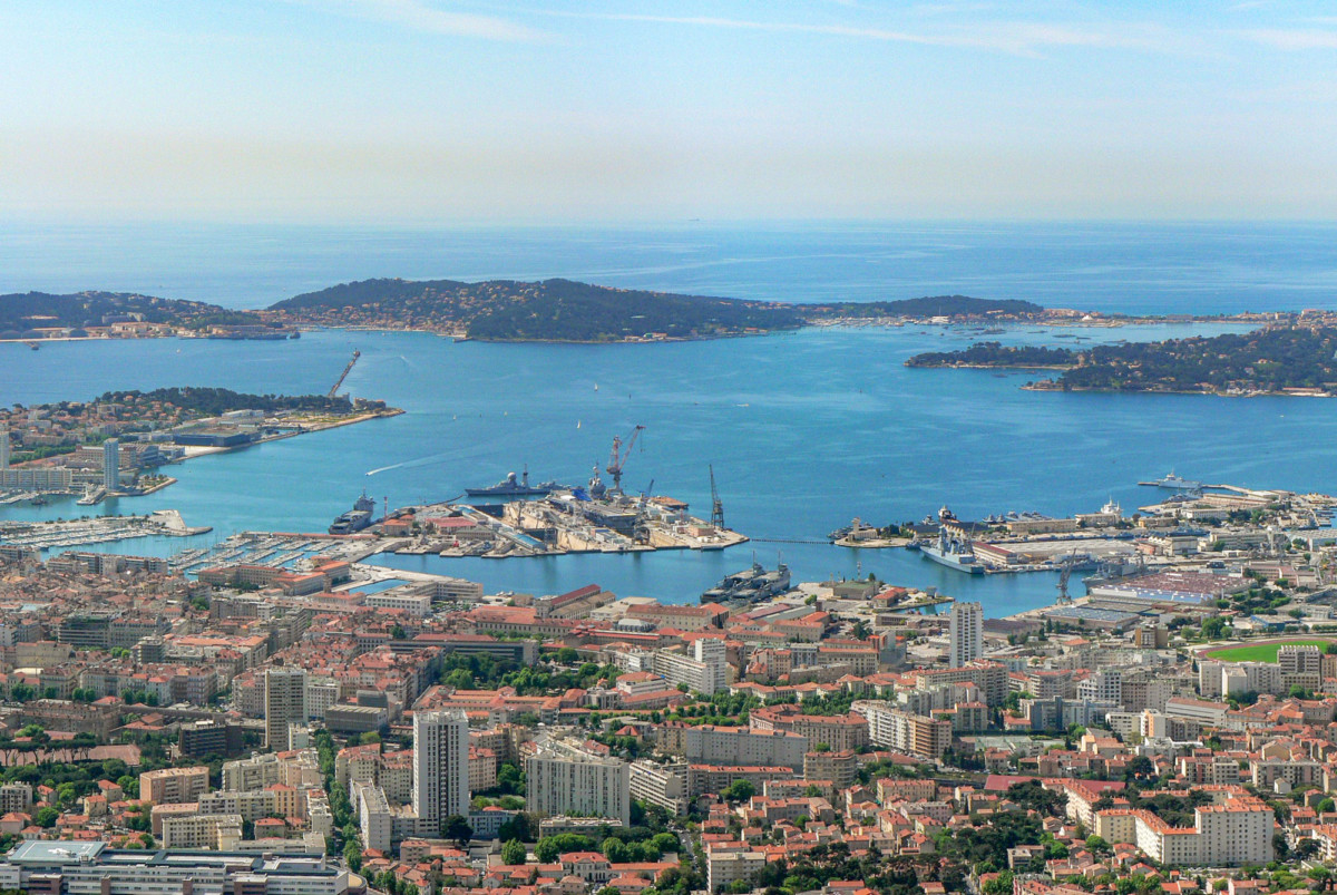 Toulon from Mount Faron © David.Monniaux - licence [CC BY-SA 3.0] from Wikimedia Commons