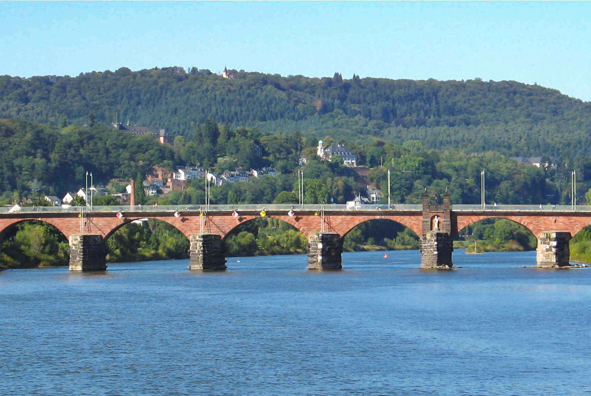 Trier Römerbrücke (Roman Bridge in Trier) © Johnny Chicago - license [CC BY-SA 3.0] from Wikimedia Commons