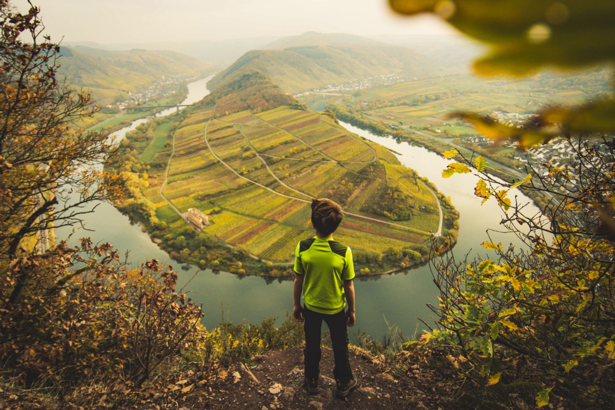 Discovering the Moselle Valley. Photo: Twenty20 [Envato Elements]