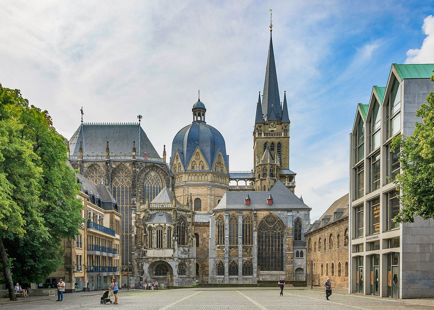Aachen Imperial-Cathedral © CEphoto - licence [CC BY-SA 3.0] from Wikimedia Commons