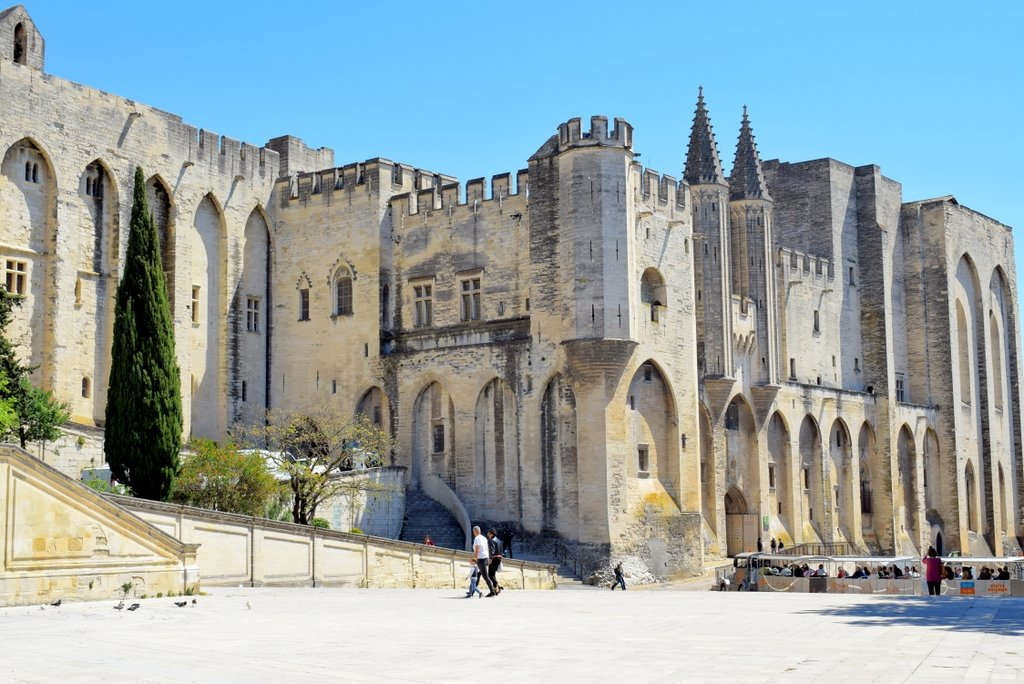 Popes' Palace in Avignon © French Moments