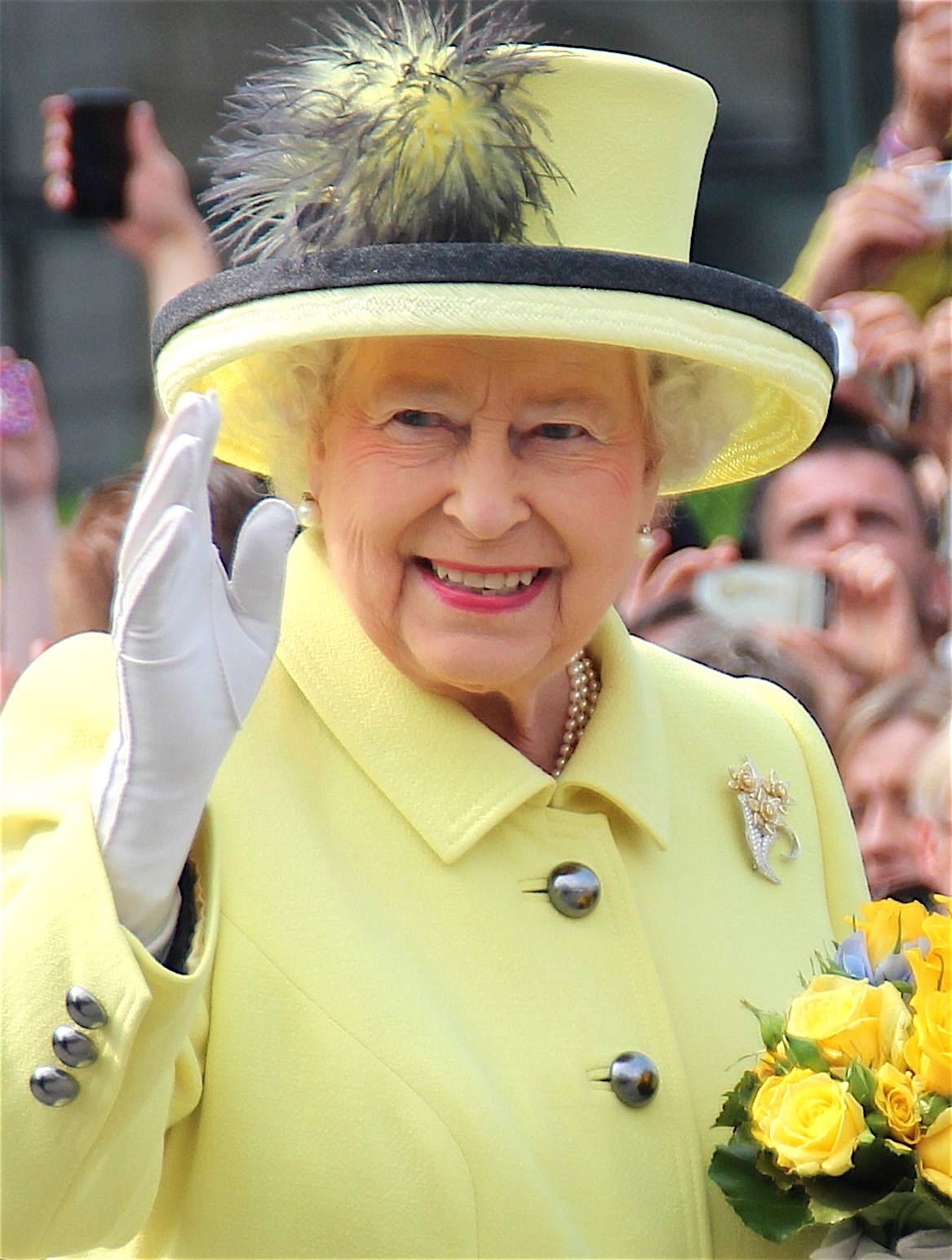 Elizabeth II in 2015 © PolizeiBerlin - licence [CC BY-SA 4.0] from Wikimedia Commons