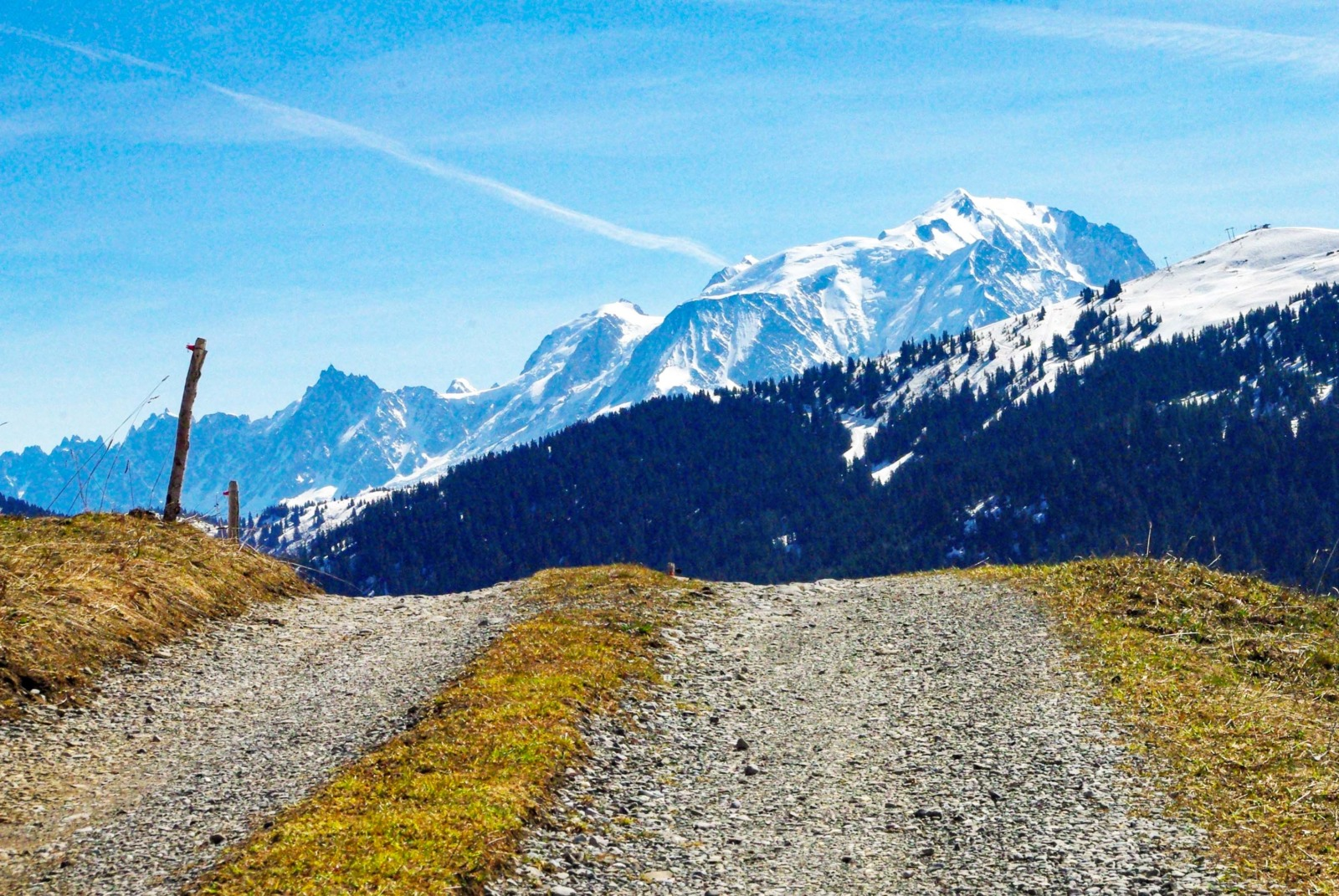Around Annecy - Col des Aravis © French Moments