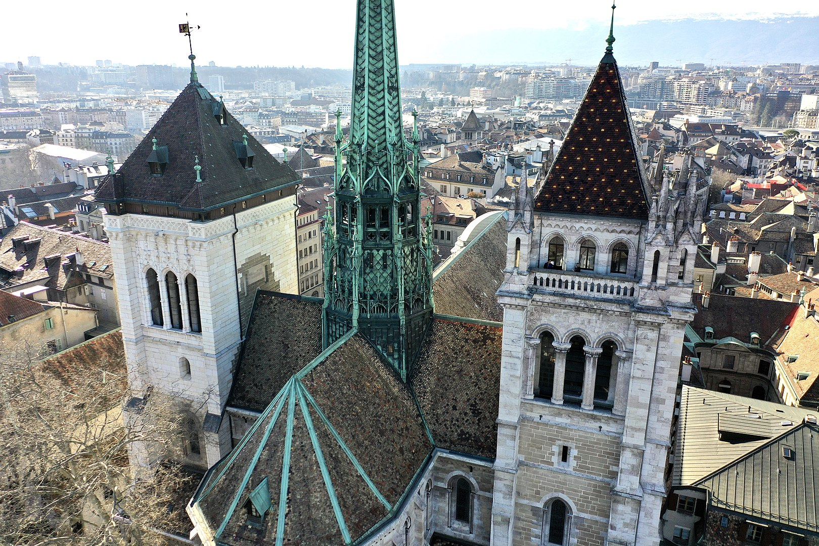 Around Annecy - St Pierre cathedral of Geneva © Bernard Vogel - licence [CC BY-SA 4.0] from Wikimedia Commons