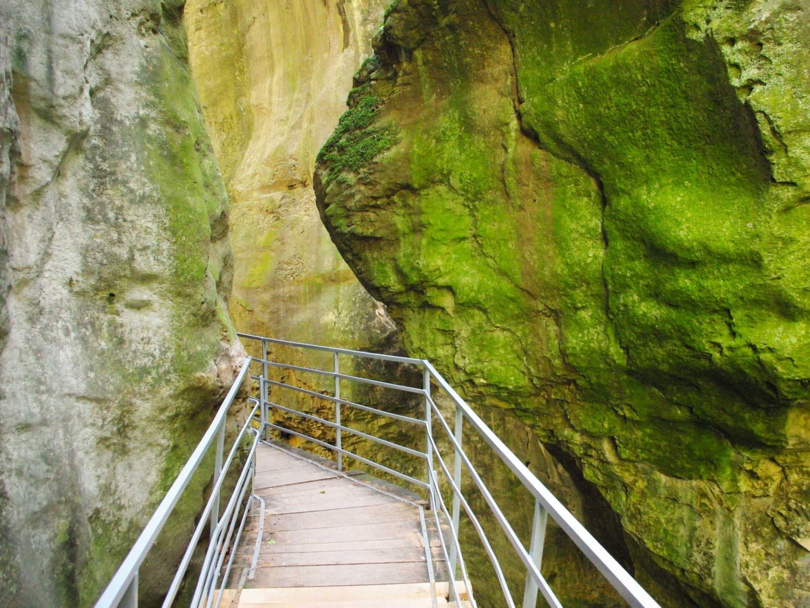 Around Annecy - Gorges of the Fier © French Moments