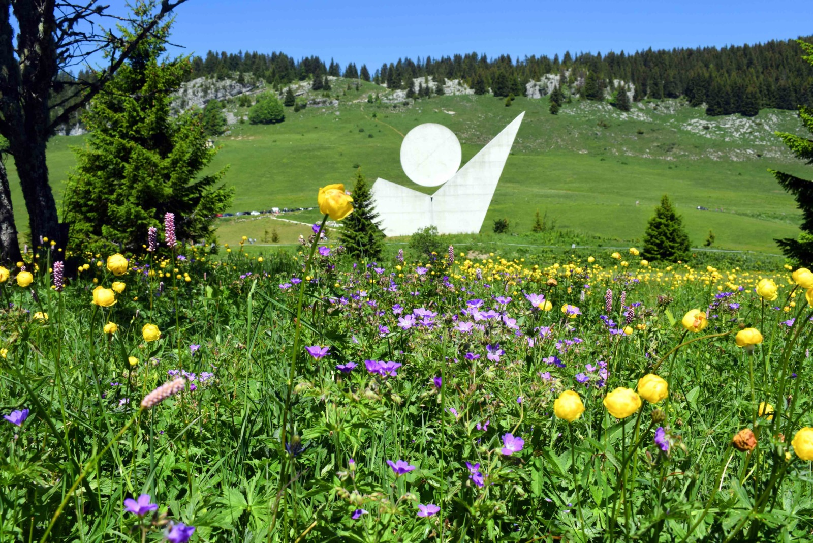 Around Annecy - The memorial of the Plateau des Glières © French Moments