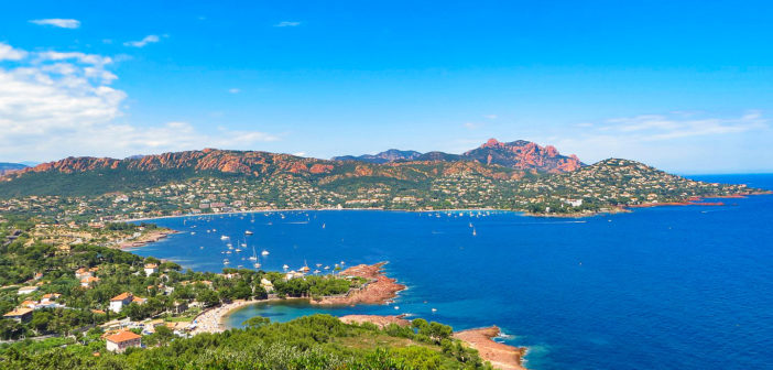 French Riviera - Côte d'Azur © Frédéric Ducarme - licence [CC BY-SA 3.0] from Wikimedia Commons