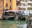 Market stalls in Annecy © French Moments